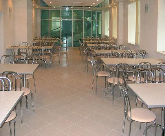Обеденный зал столоваой