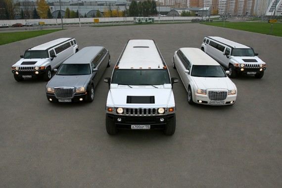 Разнообразный парк автомобилей