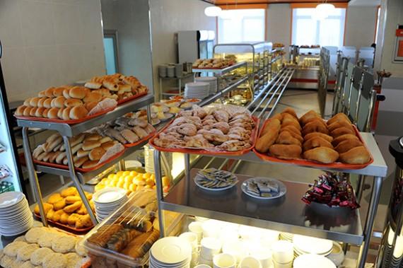 Горячие завтраки в столовой
