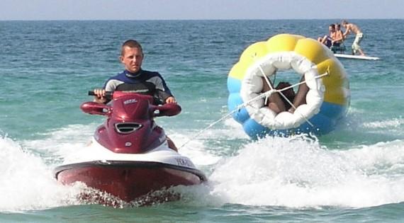 Буллет с водным скутером