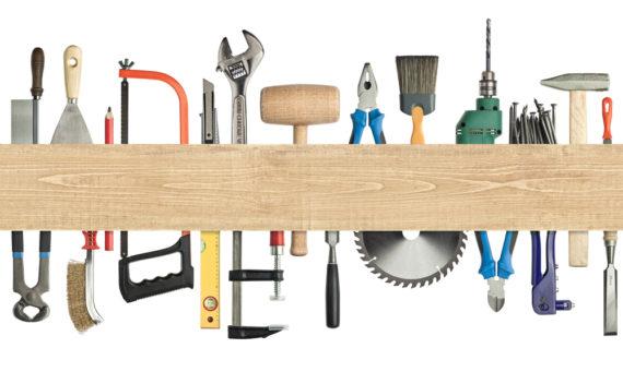 набор плотницких инструментов