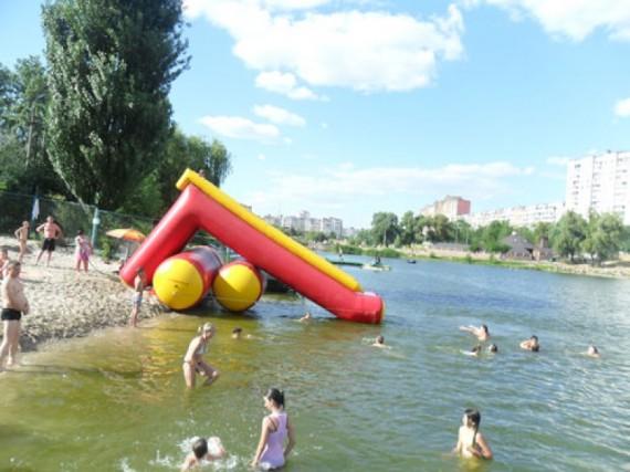Водный аттракцион на реке