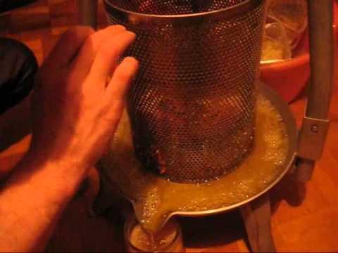 Получение мёда методом прессования