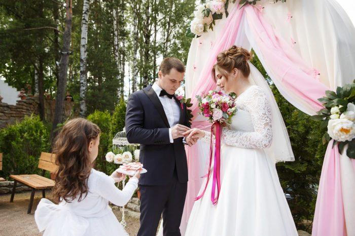 Организация выездных регистраций брака